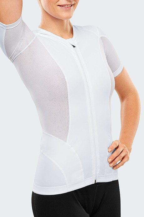 medi Posture plus force: Breathable and highly elastic fabric ensuring maximum comfort in the armpit area.