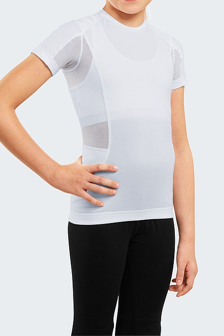 medi Posture Plus Young: Breathable and highly elastic fabric ensuring maximum comfort in the armpit area.