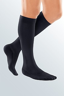 travel compression stockings for men