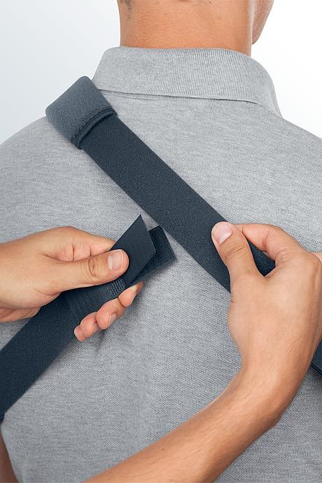 medi SAK shoulder abduction cushion shoulder strap back