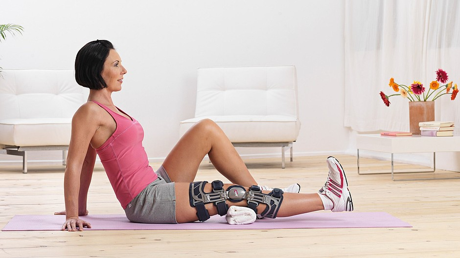 M.4s OA knee braces medi physiotherapy